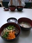 ビビンバ&サムゲタン、小豆白玉(炊き出しメニュー)